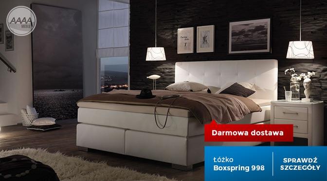 Białe łóżko z wysokim zagłówkiem